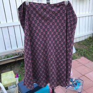 Black and purple/ pink skirt